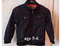 BOYS black light jacket (age 5-6)