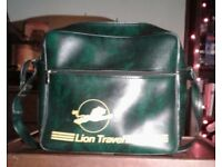 Retro Sports Bag - Lion Travel