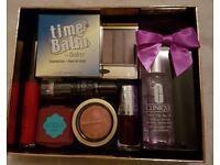 Mega Make Up Beauty Box