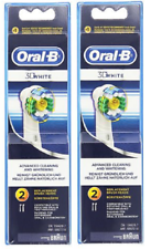 Oral-B 3D White Toothbrush Replacement Brush Heads Refill - 2 Count (2 Pack)
