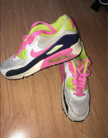 size 4 women nike shoes