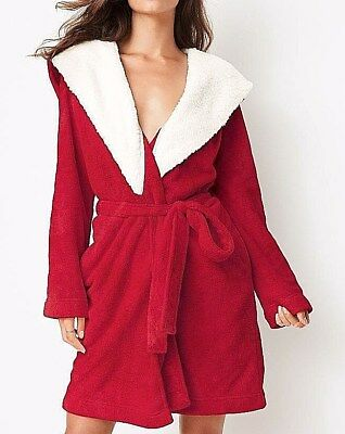 Red Fleece Bath Robe (Victoria's Secret RED Bath ROBE w/HOOD Cozy Sherpa Fleece HEART Monogram New M/L )