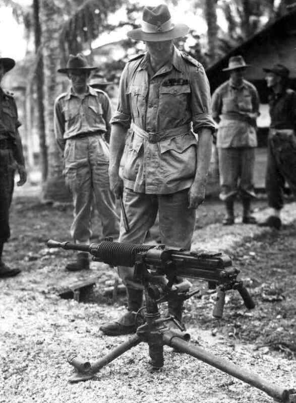 WW2  Photo Australian Soldiers Japanese Machine Gun World War Two ANZAC WWII
