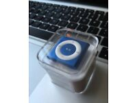 Royal blue ipod shuffle only £25 or best offer