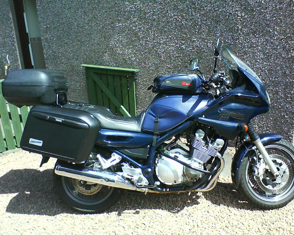 yamaha diversion 900 with full luggage budget tourer xj900s xj in dunfermline fife gumtree. Black Bedroom Furniture Sets. Home Design Ideas