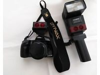 Minolta 500si 35 mm camera plus dedicated Cobra flash gun and accessories