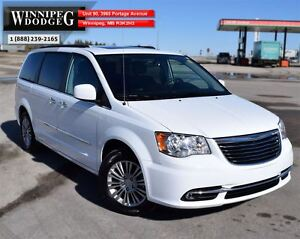 2016 Chrysler Town & Country Touring-L w/Dual DVD & Sunroof *LEA