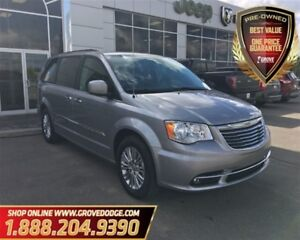 2016 Chrysler Town & Country Sunroof  Leather  Low KM  Dual DVD 
