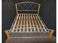 KING SIZE METAL AND WOODEN BED FRAME