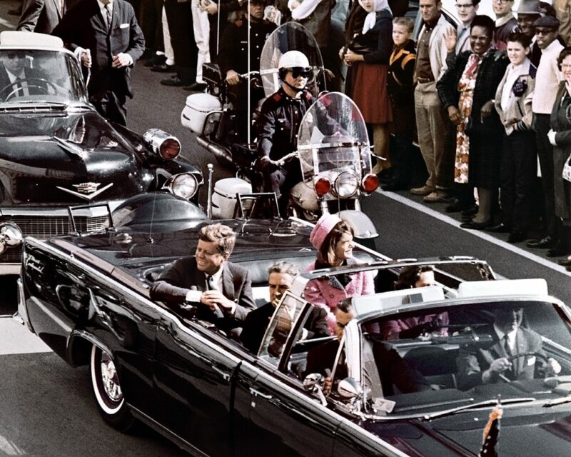 New 8x10 Photo: Dallas Motorcade of John F. Kennedy Just Before Assassination