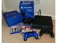 PLAYSTATION 4 BUNDLE: console, 2 controllers, headset, 2 games:The Division & Fifa 16.