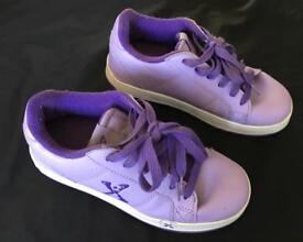 Girl's Sidewalk Sports Heelys size 2