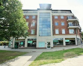 Studio flat in Greyhound Hill, Hendon, NW4