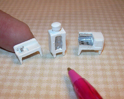 Miniature Tiny Metal Kitchen, 1/144 Scale DOLLHOUSE Miniatures