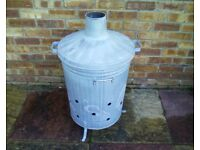 Garden incinerator. Galvanized steel. Large capacity.Very little use.