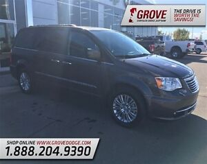 2015 Chrysler Town & Country Touring w/ Sunroof, DVD Player, Lea