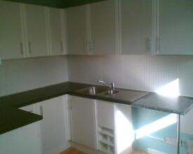 1 bedroom unfurnished 1st floor bright and airy flat. Short term let