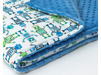 Robots. Cotton-minky baby blanket with antiallergenic filling, suitable for cot, pram or pushchair.
