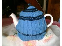 NEW HAND KNITTED TEA COSY - LIGHT BLUE & NAVY