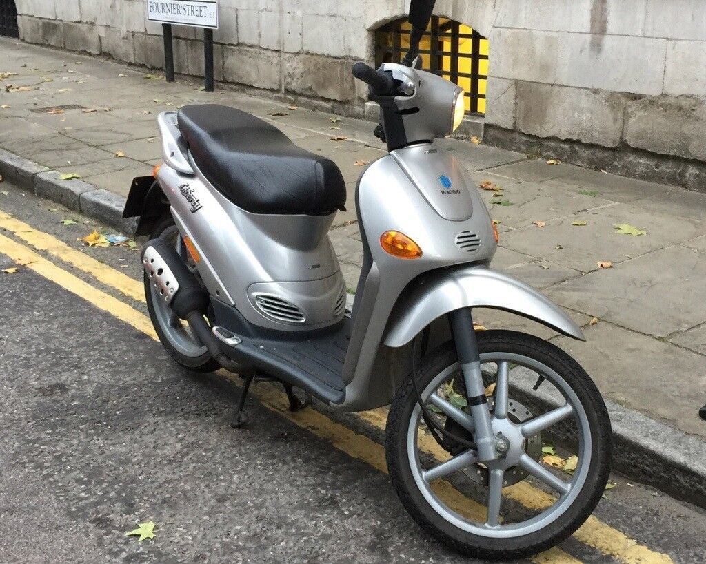 piaggio liberty 50 2t only 2000 miles owned in family. Black Bedroom Furniture Sets. Home Design Ideas