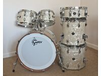 Gretsch Renown, Bass Drum, Toms and Snare. In Marine Pearl as new.