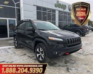 2016 Jeep Cherokee Trailhawk| Leather| LOW KM| 4X4| Sunroof