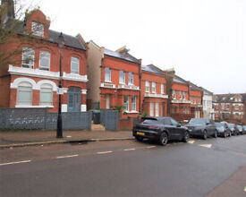 Large newly refurbished split level 4 bed 2 bath in the heart of Crouch End.