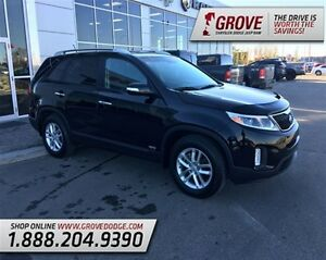 2015 Kia Sorento LX w/ Heated Seats, Keyless Entry, Cloth Seats,