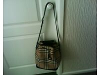 Burberry shoulder bag - GENUINE