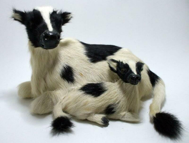 VINTAGEANTIQUE REAL FUR COW WITH CALF MODEL FIGURINE
