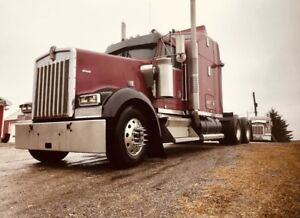2003 KENWORTH W900L WITH DETROIT POWER. X CALIFORNIA TRUCK