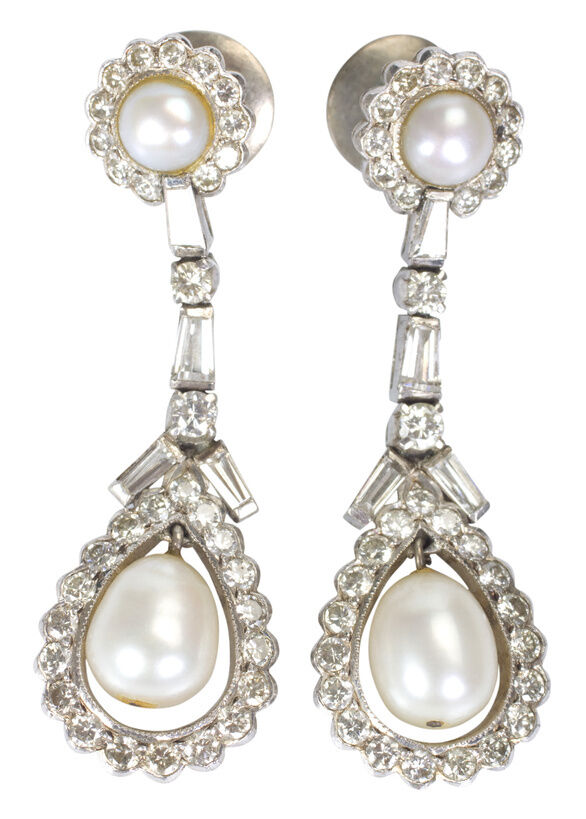 Your Guide to Choosing Antique Pearl Earrings