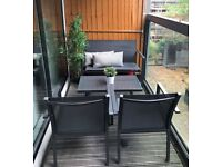 Balcony 4 seater with table + 2 cushions