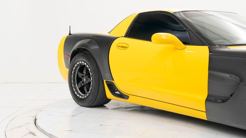 2003 Yellow Chevrolet Corvette Z06  | C5 Corvette Photo 4