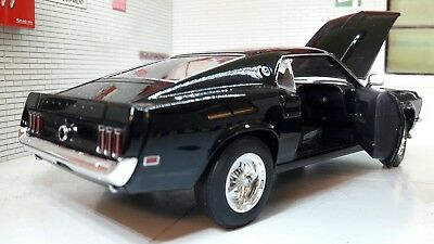 Black Ford Mustang Boss 429 1969 GT Fastback 1:24 Scale Welly Diecast Model - 1969 Ford Boss 429