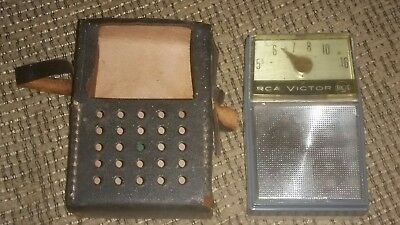 VINTAGE RCA VICTOR TRANSISTOR RADIO W/ORIGINAL LEATHER CASE MODEL 3RH32 antique  ()