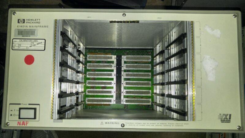 HP Agilent Keysight  E1421A VXI Portable Mainframe