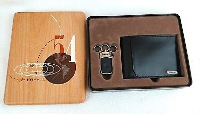 Fossil Men's gift set Bi-fold black leather Wallet with Key Chain in tin box (S)
