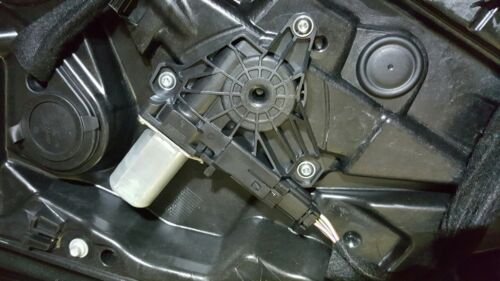 2014 VOLVO V40 /electric window motor left rear pass side R-DESIGN