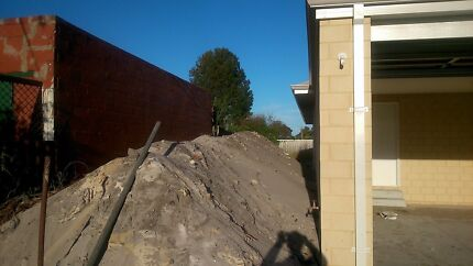 Dirt sand for free. Pick up in Bassendean 6054