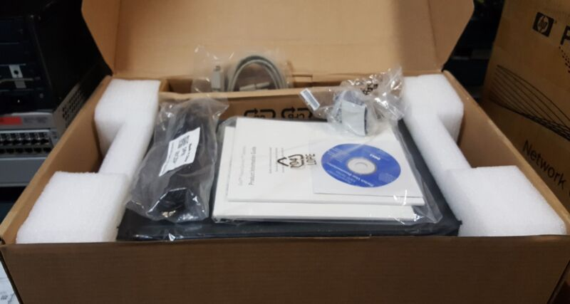 New Dell Powerconnect 5424 24-port Managed Gigabit Ethernet Switch Open Box