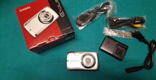 FOTOCAMERA DIGITALE CASIO EXILIM EX-Z550 DA 14.1 MEGAPIXEL