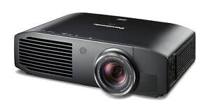 Projecteur Panasonic Ptae8000.  Real 3D nouvelle lampe