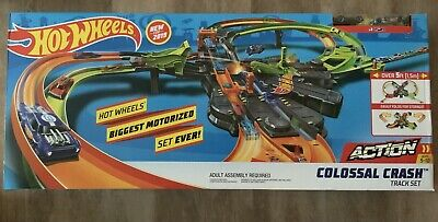 Hot Wheels GFH87 Colossal Crash Track Set Over 5 Feet of Track Same Day Shipping