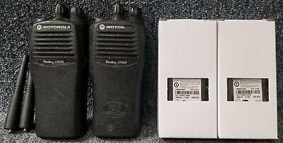 Motorola Cp200 Uhf Set Of 2 Radios 4 Channel 438-470 W Batteries Good 1-7 Sets