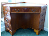 Traditional Leather Top Corner Writing Desk With Lock & Key