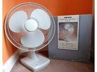 Pifco 16 inch 3 speed oscillating desktop fan.