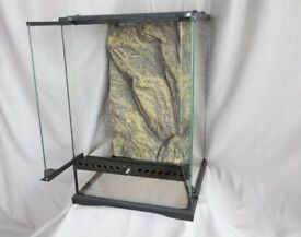 Exo-terra terrarium/vivarium for reptiles or insects 30cm x 30cm 45cm