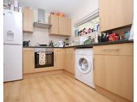 2 bedroom flat in Brecknock Road, Camden Town