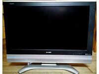 SHARP AQUOS 32in LCD TV LC-32GD8E EXCELLENT CONDITION HD READY 1080 HDMI REMOTE INCLUDED